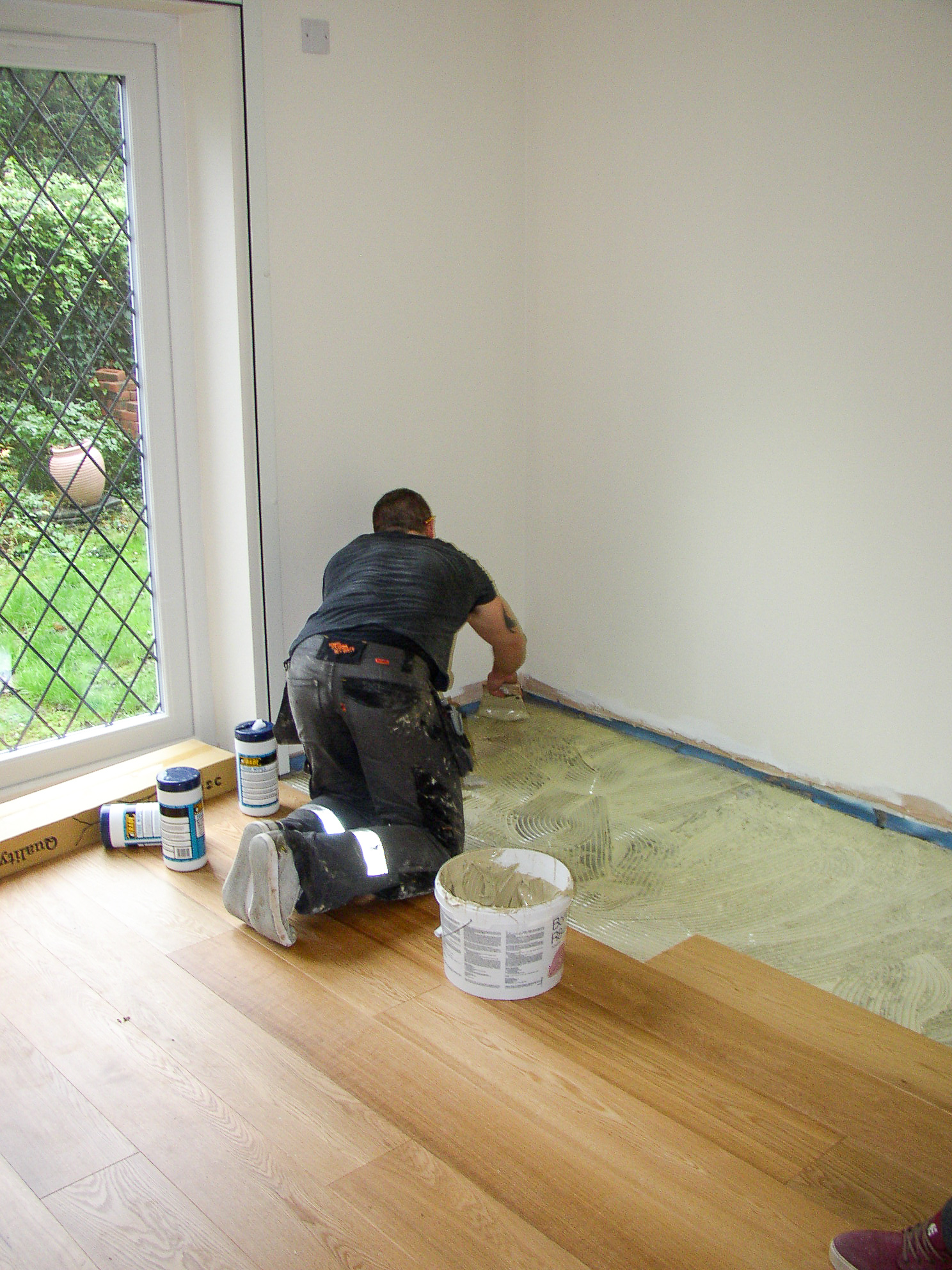 Re-laying a floor after extending